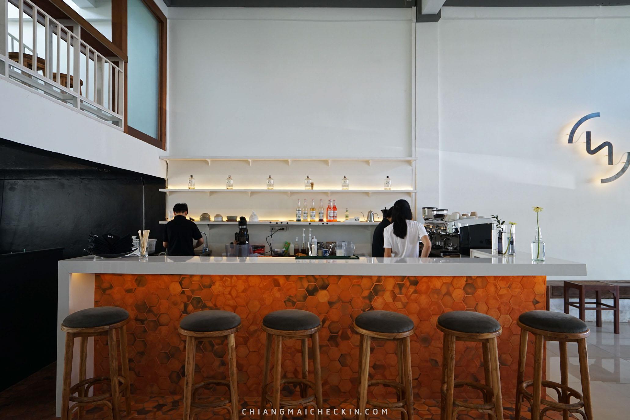 ร้านกาแฟเปิดใหม่ TWO - โท  คาเฟ่แนววินเทจเล็กๆ กำลังฮอตฮิตตอนนี้อากาศดี ร้านกว้างขวางมีสองชั้นมุมถ่ายรูปสวยๆเพียบบ