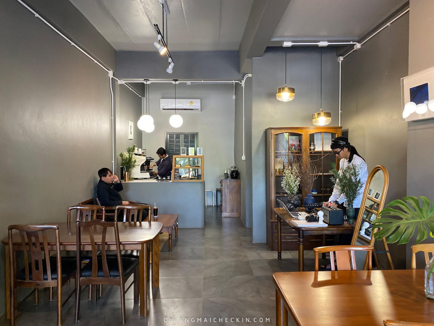 Klom cafe ร้านเก่าแก่ของเชียงใหม่ตกแต่งสดใสน่ารักๆเจ้าของร้านใจดี กาแฟกลมกล่อมราคาไม่แพงต้องห้ามพลาดด
